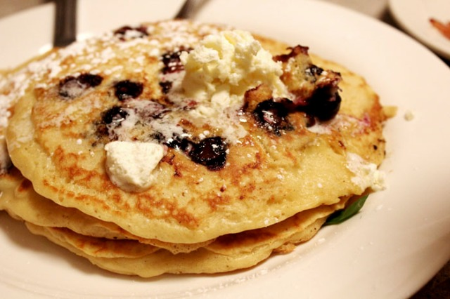 paramount blueberry pancakes