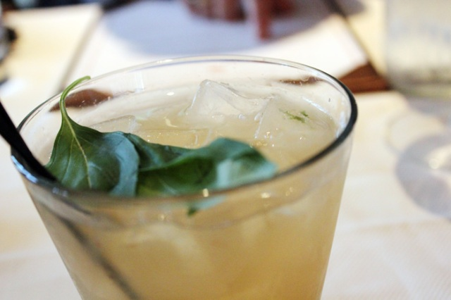 scampo brunch basil drink